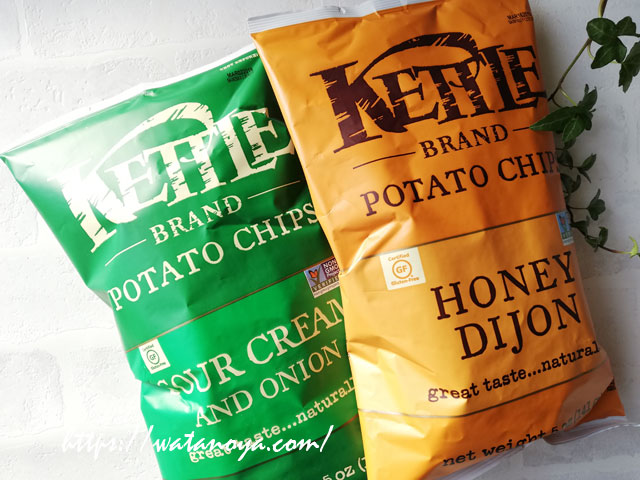 Kettle Foods, Potato Chips, Honey Dijon, 5 oz (141 g) Kettle Foods, ポテトチップス、サワークリーム&オニオン、5 oz (142 g)